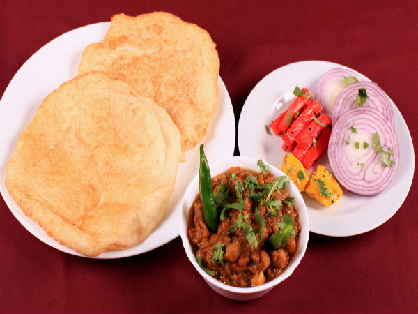 Aloo Bhatura Recipe For Breakfast