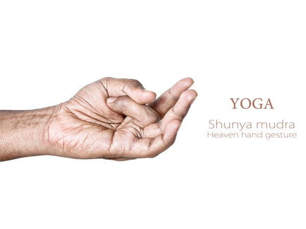 7 Health Benefits Of Nude Yoga - Boldsky.com