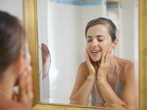 Most Common Mistakes to Avoid While Washing the Face