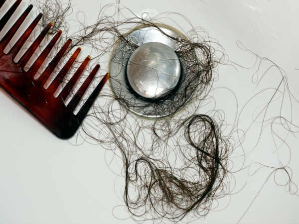 Try this 1-minute home remedy for hairfall