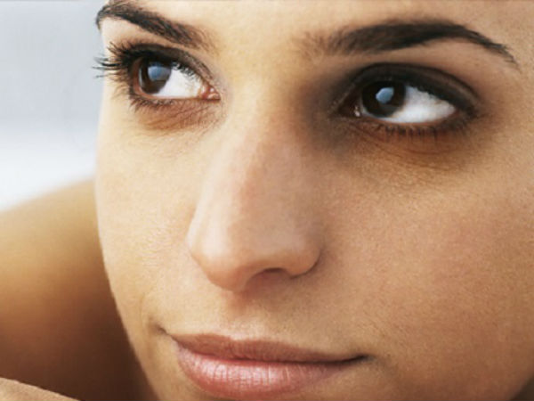 Try These Ultimate Remedies To Get Rid Of Dark Circles, Really Fast!