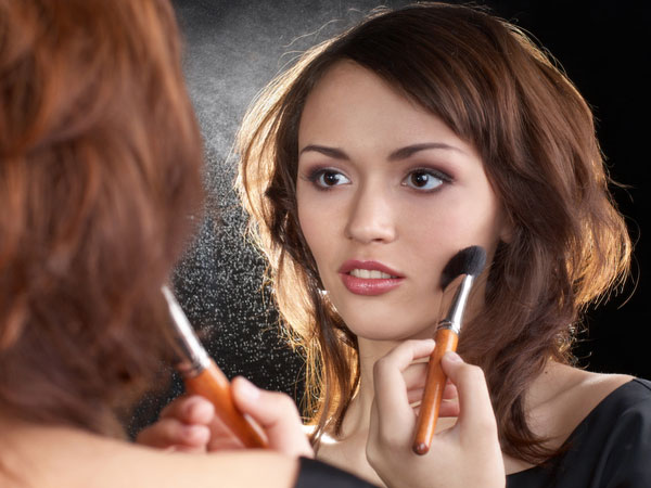 Tips To Touch Up Your Makeup In Minutes!