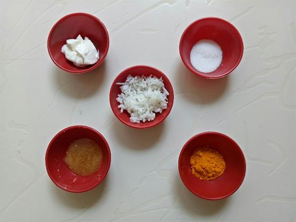 ಚರ್ಮದ ಕಾಂತಿಗೆ ಬೆಂದ ಅನ್ನ+ಅರಿಶಿನದ ಮಾಸ್ಕ್