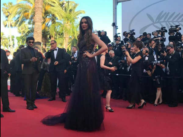 Deepika's Festival de Cannes Red Carpet Look
