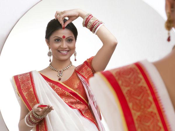 ಹಿಂದೂ ಸಂಸ್ಕೃತಿಯ ಪ್ರತೀಕ -ಹಣೆಯ ಮೇಲಿನ ಸಿಂಧೂರ   Reasons Why Indian Women Still Love Sindoor - Kannada BoldSky