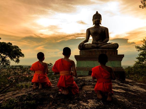 2019 ಗುರು ಪೂರ್ಣಿಮೆ: ಇದರ ಪ್ರಾಮುಖ್ಯತೆ ಹಾಗೂ ಆಚರಣೆಯ ವಿಧಿವಿಧಾನಗಳು