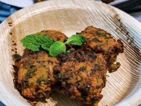 Moong Dal Pakoda Recipe In Kannada