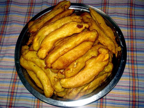 ಕೇರಳ ಶೈಲಿ ಪಯಂಪುರಿ(ಬಾಳೆಹಣ್ಣಿನ ಬಜ್ಜಿ) ರೆಸಿಪಿ