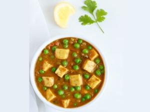 Capsicum Green Peas Paneer Gravy