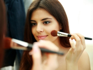 Tips Touch Up Your Makeup Minutes