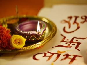 How Prepare Diyas At Your Home Diwali