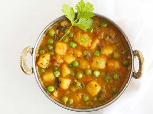 Quick Style Aloo Matar Recipe Video