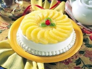 Crunchy Pineapple Cake Christmas