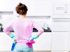 Five Spots You Should Clean Your Kitchen Every Day