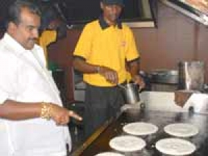 Idli And Dosa For Just One Rupee Cubbonpet