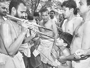 Mudhradharane Schedule Karnataka Mutts July11 Aid