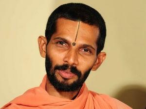 1216 Swamijis On Facebook Eshaswamiji Aid0038.html
