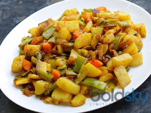 Crisp Aloo With Green Beans Recipe