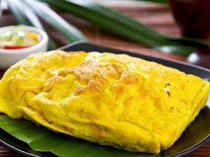 Egg White Oatmeal Omelette Breakfast