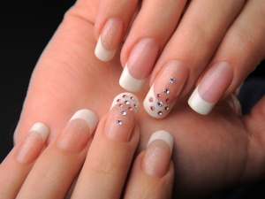 Easy Ways Maintain Healthy Nails