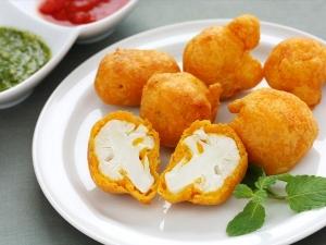 Crisp Tasty Gobi Pakora Recipe 009738