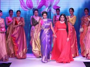 Iijw 2015 Sania Mirza Goes Desi Moni Agarwal