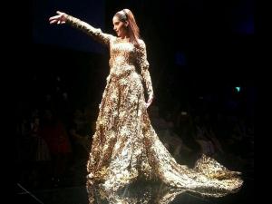 Sonam Kapoor Turns Bride Abu Jani Sandeep 010228