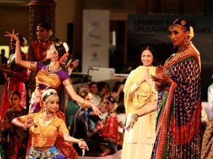 Ibfw 2015 Ashima Leena S Dakshana Collection