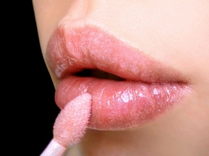 Lipstick Rules Every Woman Should Know