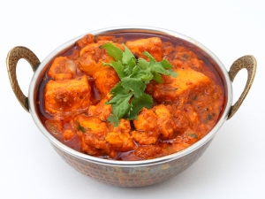 Easy And Spicy Paneer Chicken Gravy Recipe