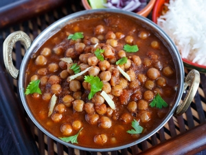 Easy Tasty Chana Masala Curry Recipe