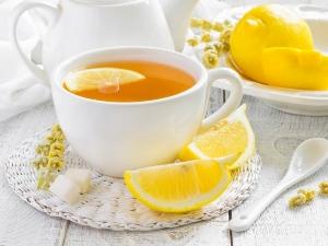 Reasons Wash Face With Lemon Tea