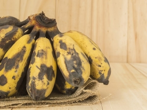 Are Bananas With Black Spots Healthy