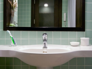Dirtiest Items Your Bathroom That Can Make You Very Sick