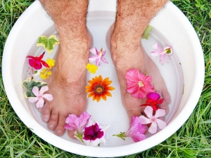 These Home Remedies Help Fight Cold Feet Effectively During