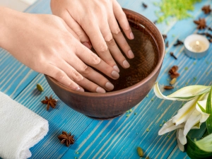 Use Olive Oil Help Your Nails Grow