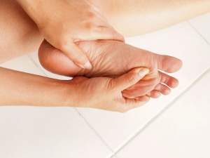 Natural Remedy Helps The Elderly Get Rid Heel Pain Quickly