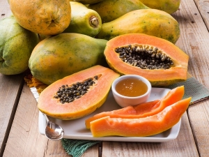 Start Eating Papaya Seeds With Honey Right Now