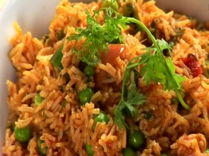 Morning Breakfast Tomato Rice With Peas Recipe