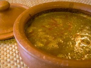 Kale Chane Ki Kadhi