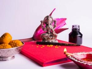 Varamahalakshmi Vrata Things That Please Goddness Lakshmi