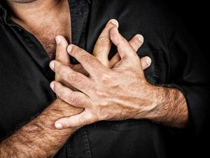 One Month Before Heart Attack Your Body Sends Seven Signs Re
