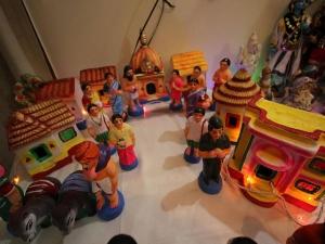 Decorating The Royal Dolls Navratri Pattada Gombe Ideas