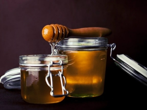 Benefits Eating Honey Every Day