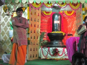 Mysterious Shivling Changes Colour Thrice Day