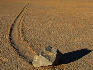 Facts About The Sailing Stones The Death Valley