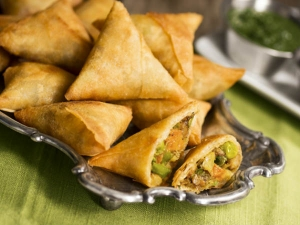 Samosa Vs Pizza Find Which One These Foods Is Healtheir