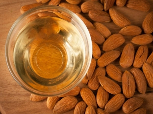 Ways To Use Almond Oil For A Brighter Complexion