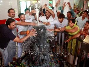 Significance Women Worship Lord Shiva During Maha Shivratri