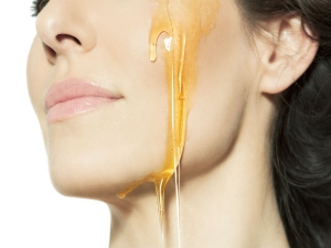 Simple Ways To Use Honey To Get Rid Of Oily Skin